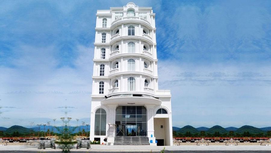 Khách sạn 7 tàng tại Goldenbay Nha Tarng